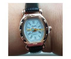 Часы кварцевые, новые, золотистые
